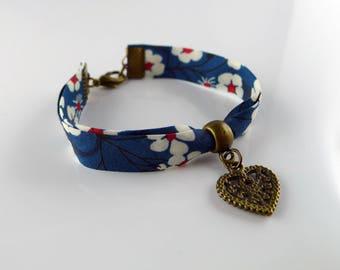 Bracelet bresilien avec petit coeur