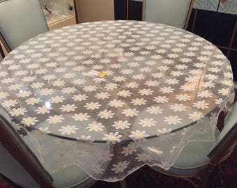 Vintage Fallani and Cohn polyester lace daisy tablecloth and 9 napkins