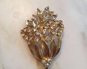 Vintage Weiss gold tone rhinestone brooch