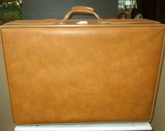 Hartmann Belting Leather Large Suitcase With Brass Hardware - VGC