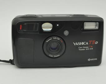 RARE Yashica T5 D Point and Shoot Camera with Case