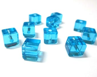 10 blue glass 6x6mm square beads