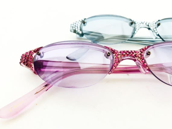 90s Rhinestone Eyes Sunnies- Deadstock