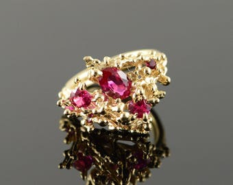 14k 1.00 CTW Created Ruby Free Form Ring Gold
