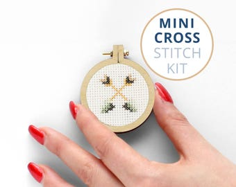 Arrows small counted cross stitch kits, mini embroidery hoop, aida cross stitch kit, where to buy cross stitch kits, tiny embroidery kit