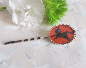 Barrette * black * kawai on red Japanese fabric, cat hair clip barrette
