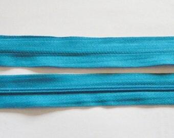 Zipper zips blue