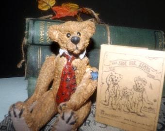 Vintage (c. mid 1980s) Boyds Bear | Boyd's Bear Shoe Box Bear Gus Grizberg #3200.  Original box and COA.
