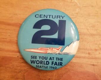 1962 Seattle World's Fair pinback featuring a Seafair hydroplane