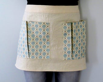 Gardening apron, craft apron with pockets, gardening apron for women, gift for gardener, mother's day gift, garden tools, utility apron