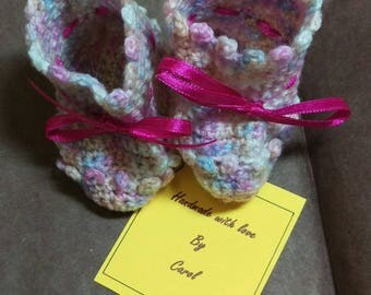 Baby bootees - pink