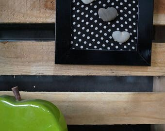 Pebbled black heart frame