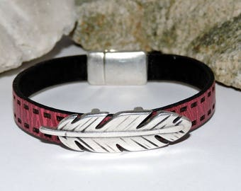 Leather Bracelet with a magnetic clasp
