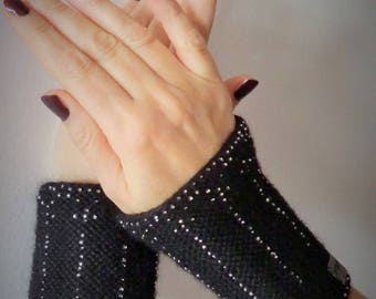 Black arm warmers in wool and beads