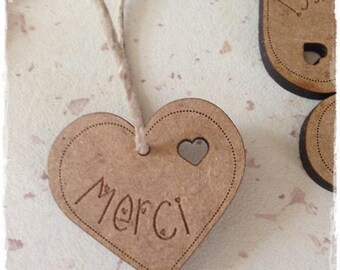 Set of 50 heart tags in wood with writing * thank you *.