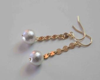 Drop Earrings with Cotton Pearl