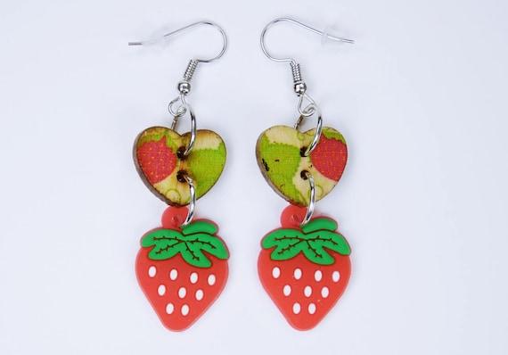 Earrings hearts with strawberries on silver-coloured earrings wooden hanging earrings Oktoberfest sweet strawberry green fruit Heart in red