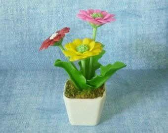 Daisy flower pot artificial flower 3 3/4 inch/Dollhouse miniture /Mini flower pots/ Miniature flower