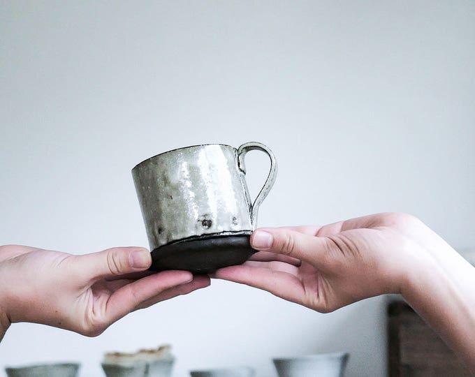 Linen Wobble Mug & Saucer