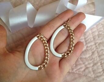 Chain Hoop Earrings - 80s Hoop Earrings - Gold and White Hoop Earrings - Hoops - Oval Hoop Earrings - Drop Earrings - 1980s - Eighties