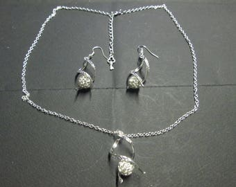 Crystal covered clay mounted on a silver twist bead set