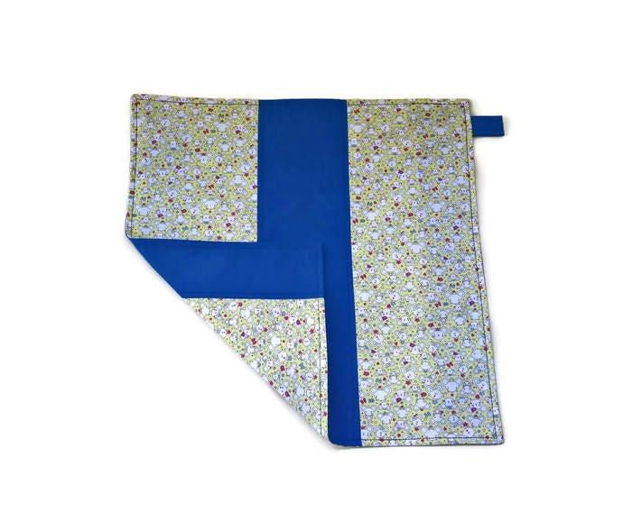 Serviette de table enfant bleu double face souris blanche et - Serviette de table blanche ...