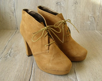 Size 11 Women's Boots. Fake suede Boots. Lace-up Ankle Platform Boots. Beige-Brown Fall Boots. High Heel Boots. Size 11 us / 9 uk / 41 eu
