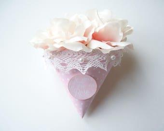 bouquet presentation gift cone flowers original Christmas birthday