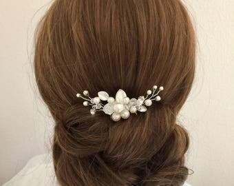 Swarovski Crystal and Pearl Bridal Hair Comb, Swarovski hair comb, Wedding hair pin, Ivory Hair comb, Champagne Hair comb, Bridal hair comb
