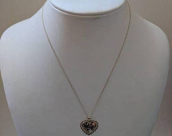 ON SALE Vintage Gold Necklace with Gold 'Mom' Heart Pendant