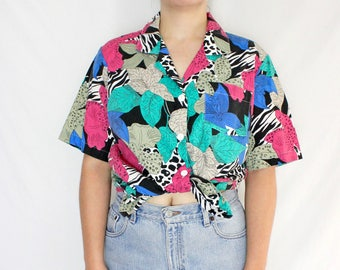 Vintage Printed Button Down Shirt // Bright Colored short sleeve // 80s 90s print // Halloween // Size Large