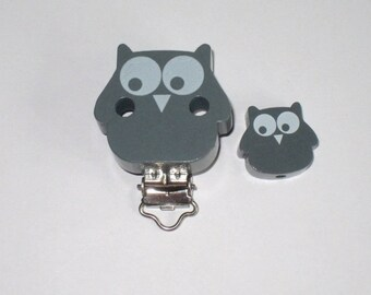Clip makes wooden OWL pacifier and a Pearl gray