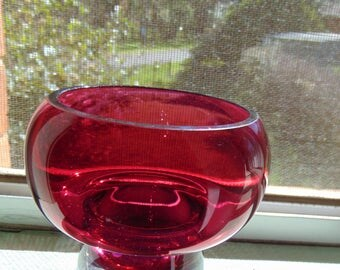 Wonderful 1970s Vintage Red Art Glass Bowl  Retro Glass 70s Stunning Colour