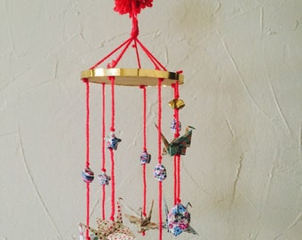 Origami mobile to decorate the nursery