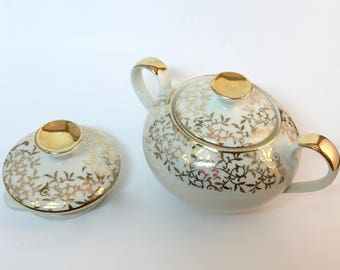 Oma's Sugar Bowl with Lid and Creamer Lid Only