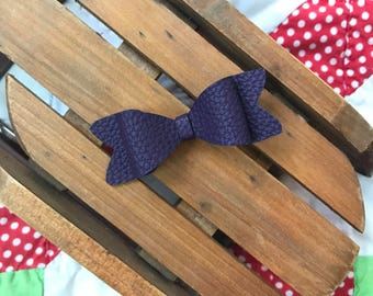 Purple hairbow // purple faux leather bow // eggplant purple bow // faux leather hairbow
