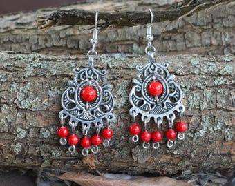 "Classic earrings ""farm Chernovsky"" in imitation of coral, and traditional - from a silver wire."