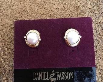SALE VINTAGE Daniel De Fasson Gold Tone Faux Pearl Rhinestone Elegant Earrings / Made in Canada