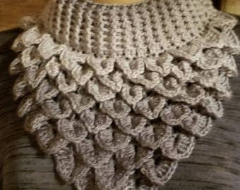 Crochet crocodile cowl neckwarmer