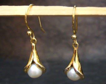 New Fashion Pearl 7 mm Gemstone Dangle Earring Silver With Gold Plating