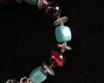 Bracelet with turquoise beads and bull's eye