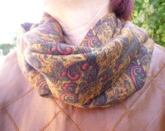 snood fine wool Paisley