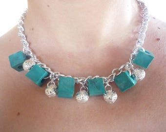 Choker necklace metal chain and square beads
