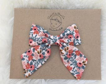 Coral Floral Serafina Bow