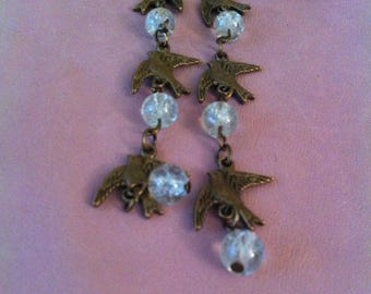 1 pair of doves and Pearl dangling earrings