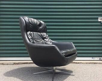 Selig Imperial egg chair