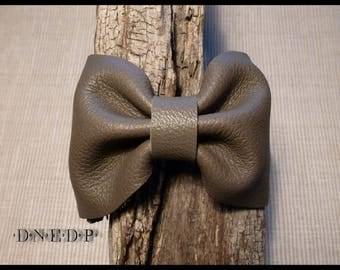 Grey leather knot bracelet