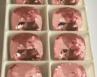 Lot de 4 cabochons cristaux Swarovski 4470 12mm à sertir