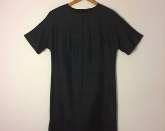 Black silk 1960s short sleeve shift dress