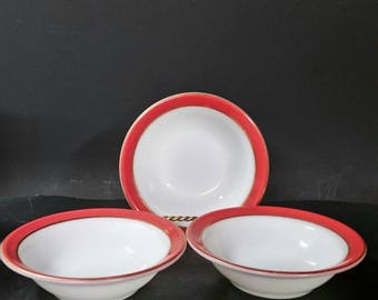Vintage Pyrex berry, ice cream, dessert bowls.  Set of 3. White and red with gold ring.